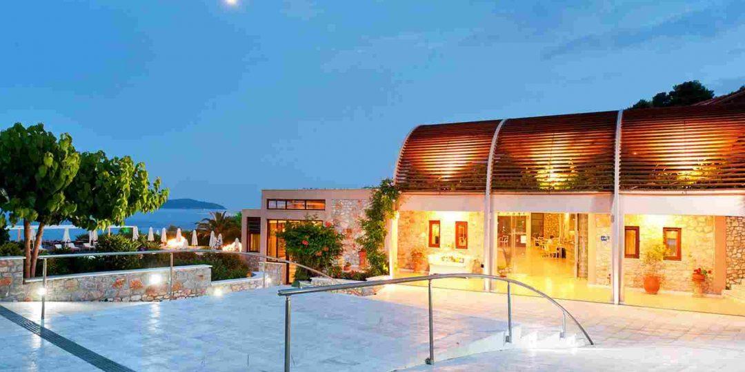 https://thecoachmanhotelbridlington.com/wp-content/uploads/2016/03/summer-hotel-04-1080x540.jpg